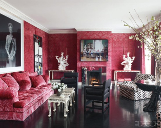 elegant-red-living-room-decoration-ideas-with-comfortable-red-sofa-under-big-wall-picture-and-black-arm-chairs